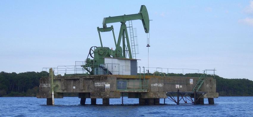 hydrocarbures énergies fossiles pétrole gaz Nicolas Hulot France
